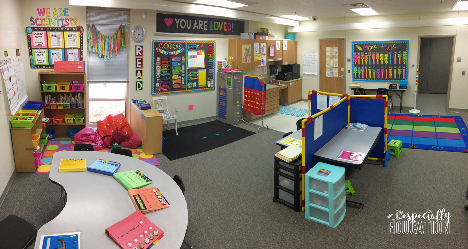 A clean and organized elementary school classroom